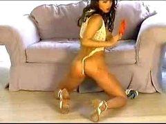Di Veronica Zemanova di stripping con gelato
