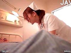 Peituda japa enfermeira provocação guy