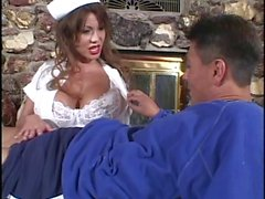 Gros seins d'Ava est de Infirmière