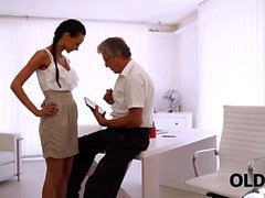 OLD4K. Secretary and old dad interrupted work to have sex...