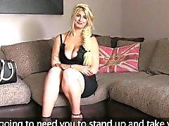 Blonde aux énormes naturals Mise baise pov