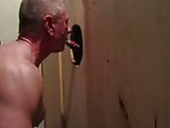 17 squirts through the gloryhole