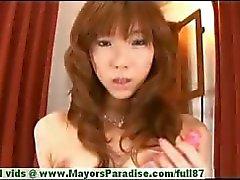 Serina Hayakaw невинный китайская девушка тыкает свое волосатая киска с пенисом