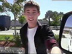 Kauniin hetero guys ottaa Gay Sex videoita täyspitkä Bo