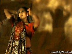 Bollywood di La Ragazza è mio buon amico Too