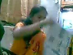 Newly wed marathi couple - coolbudy