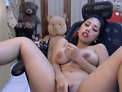 Asian amateur squirt a lot with toys