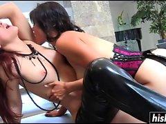 Dana and Karlie enjoy pussy munching