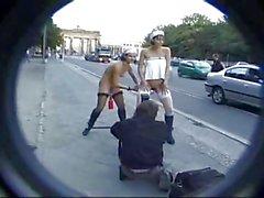 2 nackte Weiber in Berlin