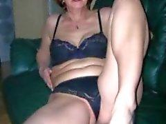 Grannies älskar att svänga med unga pojkar