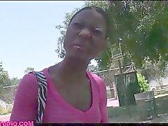 Street pick-up skinny black girl baisée par chris charme