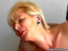 Blonde mature mom loves getting fucked part3