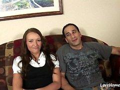 Una coppia arrapata si sta facendo sentire bene