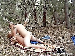 Tanian hoitelee hänen poikaystävänsä Paavali metsäteollisuuden