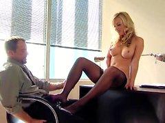 naughty-hotties net - sexy secretary
