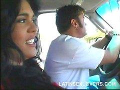 Latina Имеет хорошую Стойка