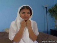 Naturligt Egyptisk flicka får hennes fitta