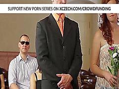 Hochzeit fuckfest mit beleibten Schönheiten, die hart durch große Jocks gebohrt werden