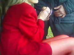 Hot mogen blond rökning avsugning