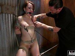 Kinky babe enjoys some hardcore pleasures