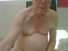 дедушка дернулся и сперма