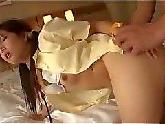 L'écolière de Petits seins obtenir sa chatte poilue baisée dur sur le bâti dans Salle L'Hôtel