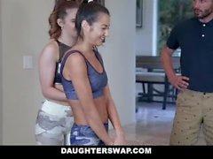 DaughterSwap - Cute Teen wird gefüllt mit Turnerin Hahn
