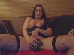 Milf pleasures herself