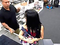 Hot latin chick lovely gal wanting to sell stolen phones