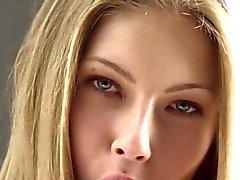 Perfekt Erotikfilm an Teeny modellieren