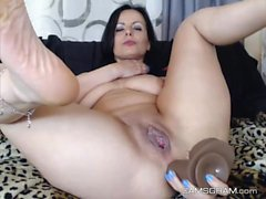 Yummy Milf Whore Squirting On Cam