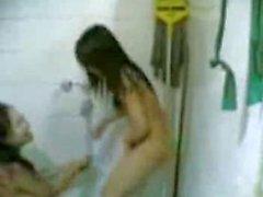 malay lesbian mandi