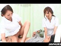Nourrice japonaise à cordelette à baiser un queue de son se il vous plaît