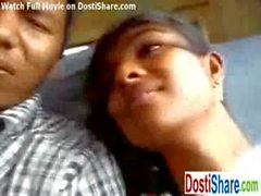 Mallu Girl fingered in Bus