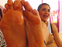 Oiled Feet - UltraPornCams com