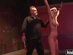 Cherry Revitty nauttii kinky BDSM nautintoja