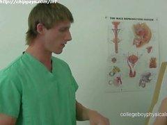 Двое врачей с пациенту
