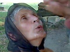 Бабушки крестьянин нравятся его трудно и раннего возраста
