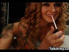 Sexy Tattooed Webcam Girl