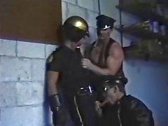 Deri erkek ve Cop