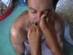 italian mature feet smelling