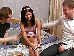 Angenehme jungfräulichen eröffnen ihre Muschi zu für Bolzen Freude