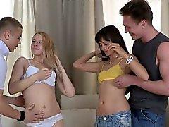 Sexy Gençlik Molly ve Janna Onların pussies yaladı almak