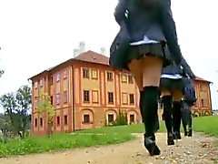 Sweet Europa schoolgirlen blir anal kurs