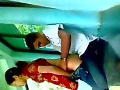 De Bangladesh niña musulmana Farzana follarla FB secretlly