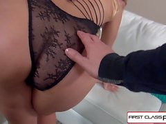 FirstClassPOV - Aaliyah Love suce et baise une grosse bite