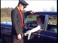 Jessica Rizzo lüks bir arabada darbe işi yapıyor