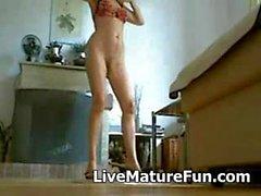 Duo4u morena madura se muestra desnuda por cam