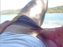 Amateur latina caught sucking outdoor!