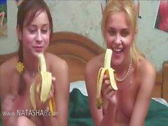 Двух россиян Саши с Наташей